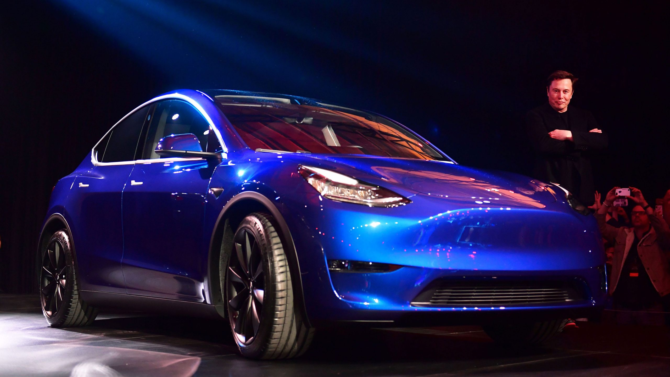 Tesla Model Y deliveries begin, meeting expectations on the crossover