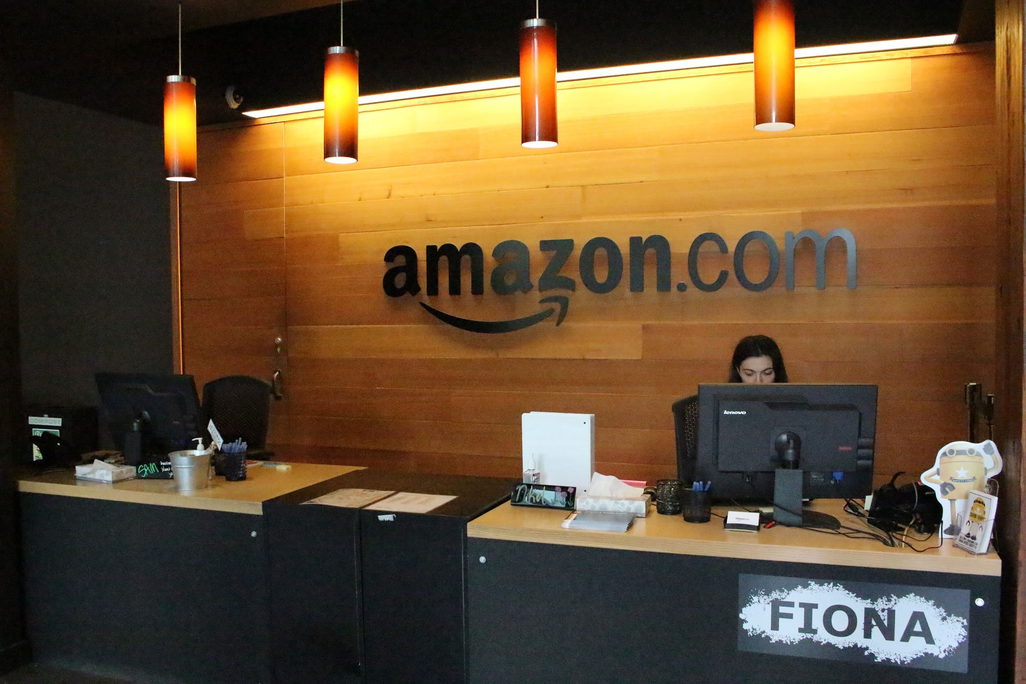 Second Amazon employee in Seattle tests positive for the coronavirus