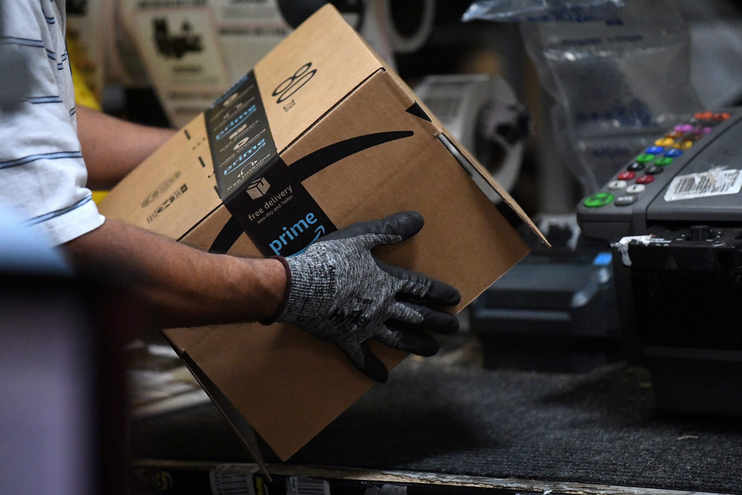 Amazon warehouse employees grapple with coronavirus risks